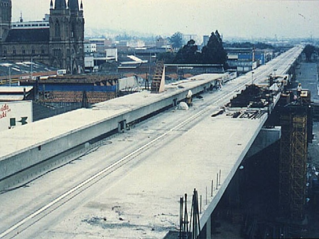 Medellin Metro under construction in 1988/ Source #CulturaMetro30Años